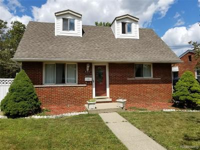 Clinton Twp, Harrison Twp, Roseville, St. Clair Shores Single Family Home For Sale: 21201 E 12 Mile Road Road