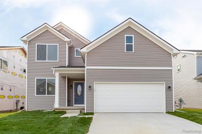 Holly Twp Single Family Home For Sale: 052 Hidden River E