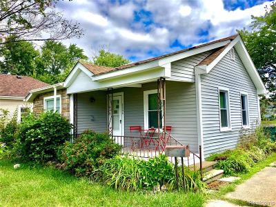 Royal Oak, Ferndale, Berkley, Clawson, Pleasant Ridge Single Family Home For Sale: 2804 Inman Street
