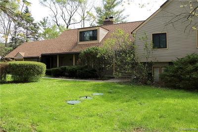 Farmington Hills Single Family Home For Sale: 28922 Herndonwood Drive