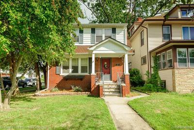 Wyandotte Single Family Home For Sale: 82 Emmons Boulevard