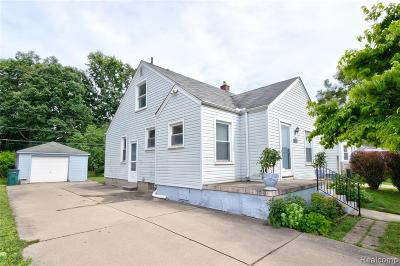 Royal Oak, Ferndale, Berkley, Clawson, Pleasant Ridge Single Family Home For Sale: 558 Allen Street