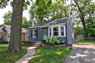 Royal Oak, Ferndale, Berkley, Clawson, Pleasant Ridge Single Family Home For Sale: 60 Sylvan Avenue