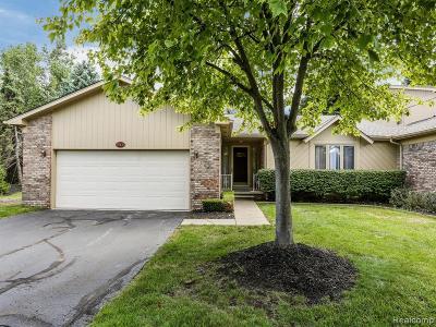 Farmington Hills Condo/Townhouse For Sale: 29433 Sylvan Lane