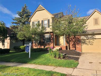 Wixom Single Family Home For Sale: 1044 Trailside Boulevard