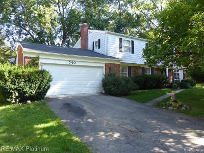 South Lyon Single Family Home For Sale: 540 Chester Street