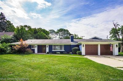 Bloomfield Twp Single Family Home For Sale: 176 Barrington Road