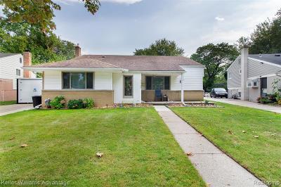 Livonia Single Family Home For Sale: 31733 Penn Street