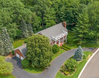 Bloomfield Twp Single Family Home For Sale: 2967 Chestnut Run Drive
