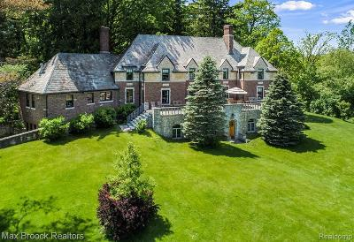 Oakland County Single Family Home For Sale: 3800 Adams Road