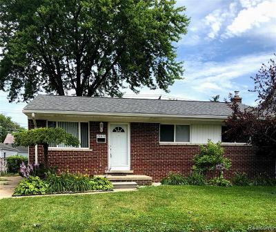 Macomb County Single Family Home For Sale: 26670 Parkington Street