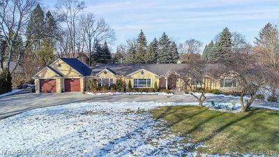 Bloomfield Twp Single Family Home For Sale: 5750 Snowshoe Circle