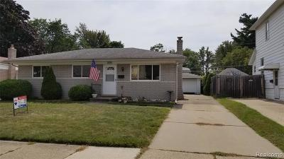 Macomb County Single Family Home For Sale: 8358 Harding