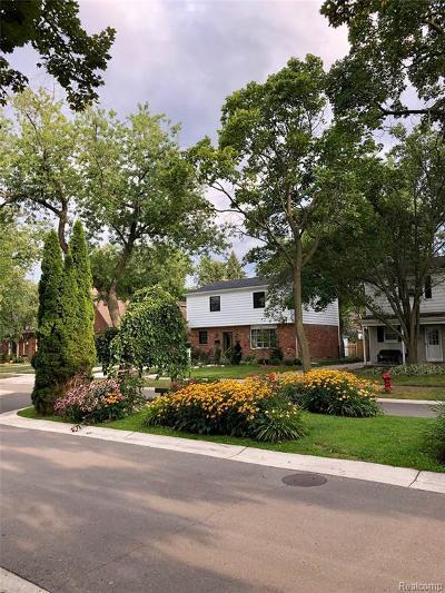 Huntington Woods Single Family Home For Sale: 10475 Lasalle Boulevard