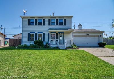 Wixom Single Family Home For Sale: 2302 Wenona Drive