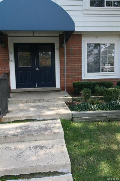 Bloomfield, Bloomfield Hills, Bloomfield Twp, West Bloomfield, West Bloomfield Twp Condo/Townhouse For Sale: 2463 Mulberry Square #10