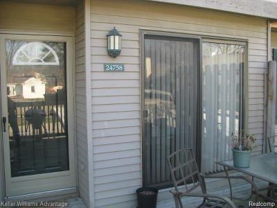 Southfield Condo/Townhouse For Sale: 24758 Cashmere Court