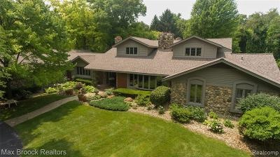 Oakland County Single Family Home For Sale: 26455 Willowgreen Drive