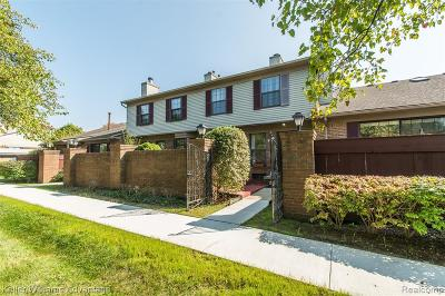 Farmington Hills Condo/Townhouse For Sale: 31107 Country Bluff