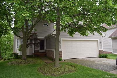 Novi Condo/Townhouse For Sale: 31216 Columbia Drive