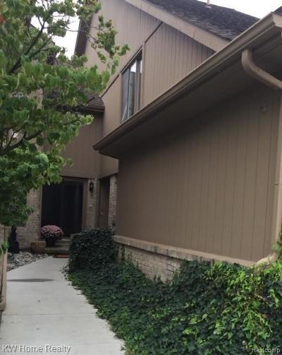 Farmington Hills Condo/Townhouse For Sale: 29548 Sierra Point Circle