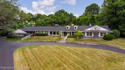 Bloomfield Hills Single Family Home For Sale: 100 Linda Lane