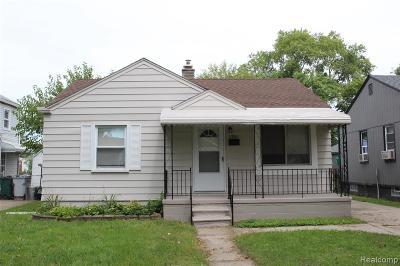 Hazel Park Single Family Home For Sale: 1761 E Hayes Avenue