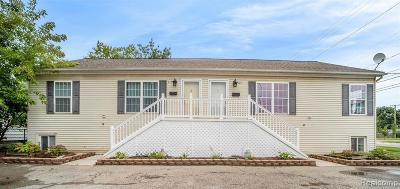 Ferndale Condo/Townhouse For Sale: 415 Hilton Road #425
