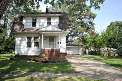 Hazel Park Single Family Home For Sale: 320 W Hayes Avenue