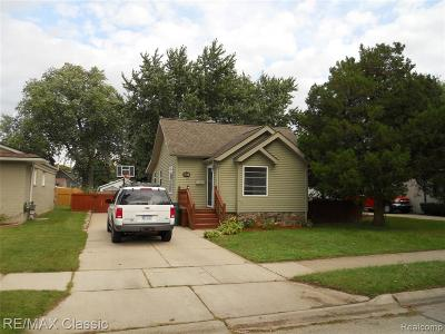 Clawson Single Family Home For Sale: 245 S Webik Avenue