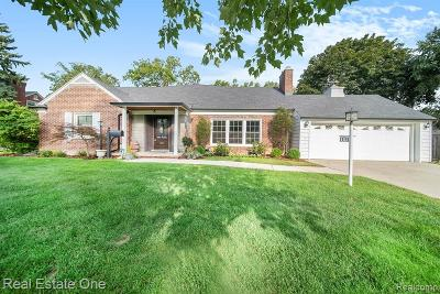 Royal Oak Single Family Home For Sale: 1115 Vinsetta Boulevard