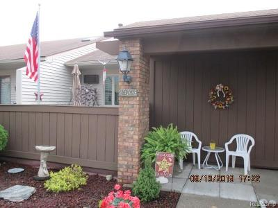 South Lyon Condo/Townhouse For Sale: 25104 Jefferson Court #5
