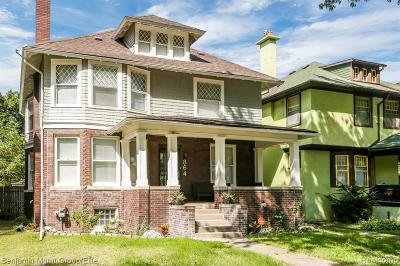 Detroit Single Family Home For Sale: 864 Longfellow