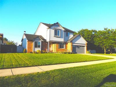 Macomb County Single Family Home For Sale: 27503 Cedar Glen Drive
