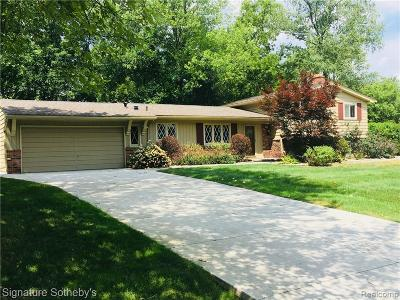 Bloomfield, Bloomfield Hills, Bloomfield Twp, West Bloomfield, West Bloomfield Twp Single Family Home For Sale: 7374 Woodridge Road