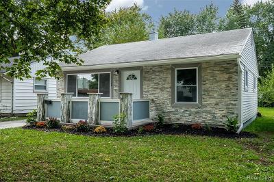 Hazel Park Single Family Home For Sale: 1728 E Harry Avenue