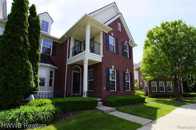 Sterling Heights Condo/Townhouse For Sale: 42794 Park Cresent Drive #21