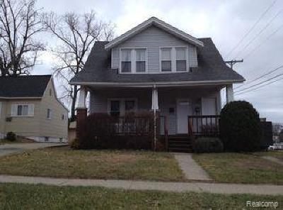 Royal Oak Multi Family Home For Sale: 483 Cambridge Road