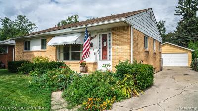 Royal Oak Single Family Home For Sale: 1426 W 13 Mile Road