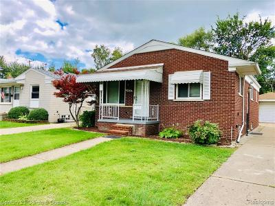 Oakland County, Macomb County, Wayne County Single Family Home For Sale: 24331 Currier St