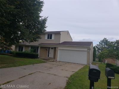 Warren Single Family Home For Sale: 29758 Mackenzie Circle E
