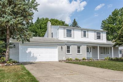 Macomb County Single Family Home For Sale: 39735 Bonnie Court