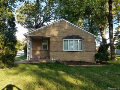 Macomb County Single Family Home For Sale: 30430 S Park Street