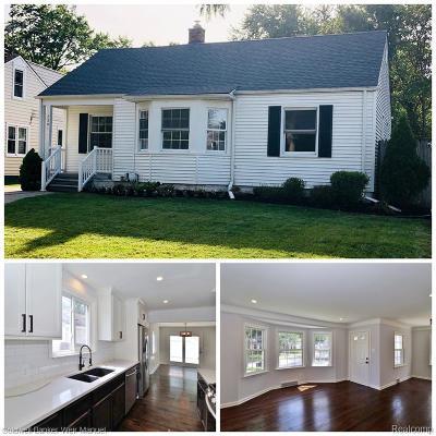 Berkley Single Family Home For Sale: 2391 Oakshire Avenue