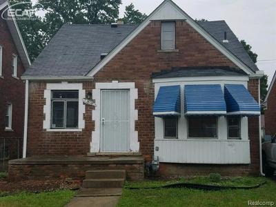 Detroit Single Family Home For Sale: 17308 Pinehurst