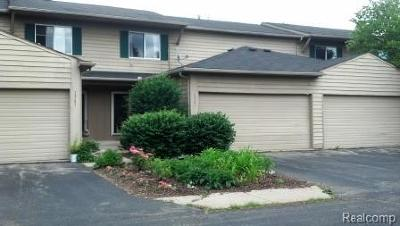 Waterford Twp Condo/Townhouse For Sale: 1367 Lochaven