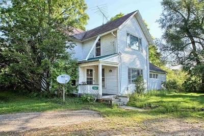 Holly Single Family Home For Sale: 2060 Grange Hall