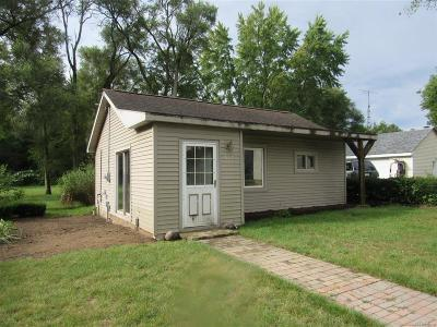 Holly Single Family Home For Sale: 612 Elm