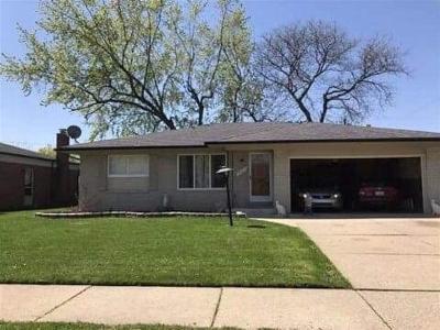 Warren Single Family Home For Sale: 25219 Rubin