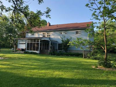 Grand Blanc Single Family Home For Sale: 424 Union